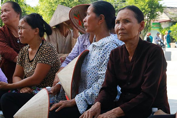 Người dân quê nhà viếng Chủ tịch nước Trần Đại Quang ảnh 7