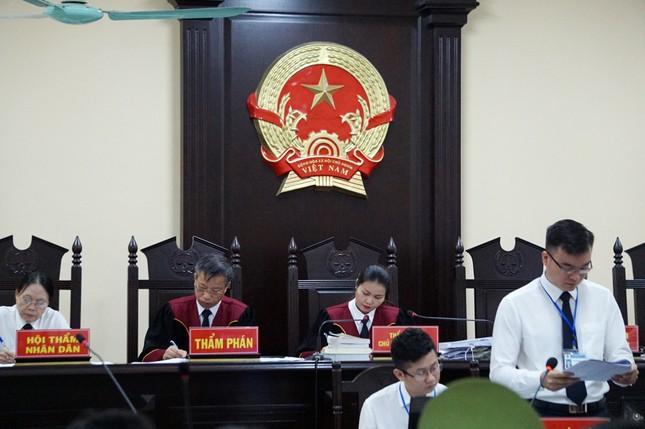 Vợ Chủ tịch tỉnh nhờ Phó GĐ Sở 'giúp đỡ' vụ nâng điểm thi ở Hà Giang ảnh 1