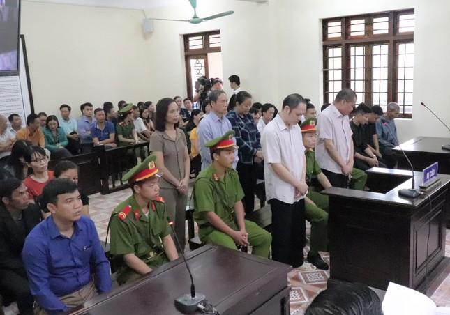 Xem xét kỷ luật vợ Chủ tịch tỉnh Hà Giang nhắn tin nhờ giúp cho cháu ảnh 1