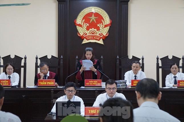 Kỷ luật vợ Chủ tịch tỉnh Hà Giang nhờ 'giúp đỡ' cho cháu ảnh 1