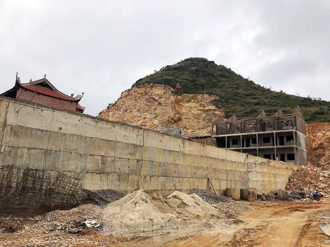 Cận cảnh siêu dự án 'bạt núi' làm du lịch ở Lũng Cú vừa bị đình chỉ ảnh 3