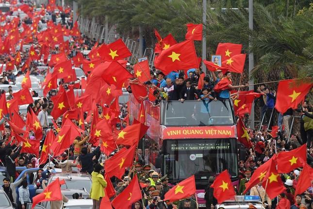 Hàng trăm cảnh sát bảo vệ an ninh, đón đoàn thể thao Việt Nam ảnh 1