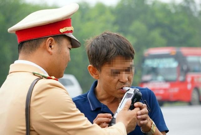 Cảnh sát Hà Nội hóa trang chống đua xe đêm giao thừa ảnh 1