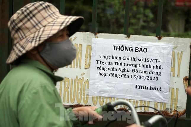 Công viên ở Hà Nội đồng loạt đóng cửa để cách ly toàn xã hội ảnh 2