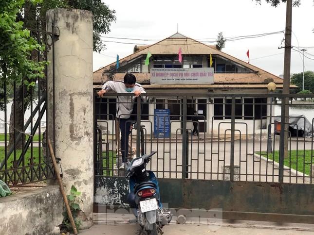 Công viên ở Hà Nội đồng loạt đóng cửa để cách ly toàn xã hội ảnh 10