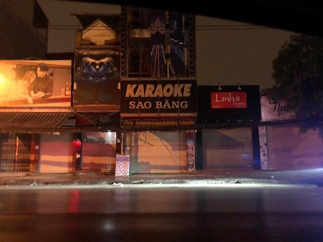 Tạm đình chỉ Chủ tịch phường để quán karaoke hoạt động giữa dịch COVID-19 ảnh 1