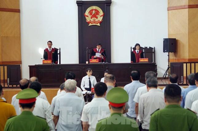 Bắt tạm giam hai cựu Chủ tịch TP Đà Nẵng vụ Vũ 'nhôm' thâu tóm đất vàng ảnh 3
