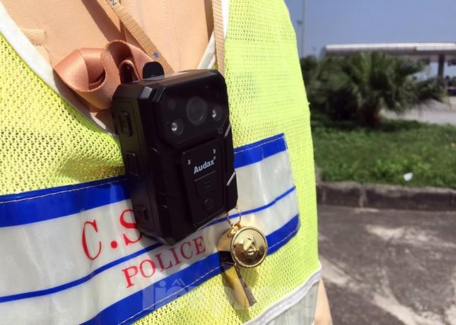 Mục kích cảnh sát tổng kiểm soát giao thông trên cao tốc Nội Bài - Lào Cai ảnh 3