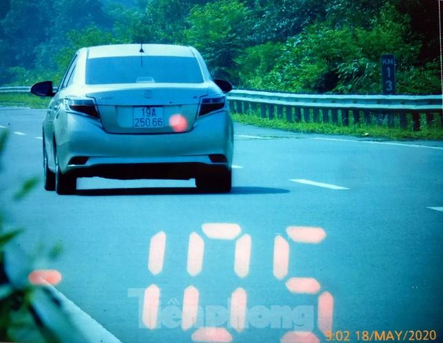 Mục kích cảnh sát tổng kiểm soát giao thông trên cao tốc Nội Bài - Lào Cai ảnh 7