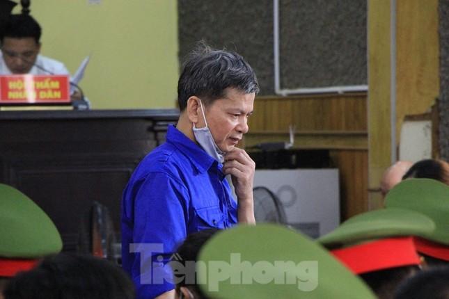 Chân dung cựu cán bộ giữ chức vụ ngành giáo dục, công an hầu tòa ảnh 2