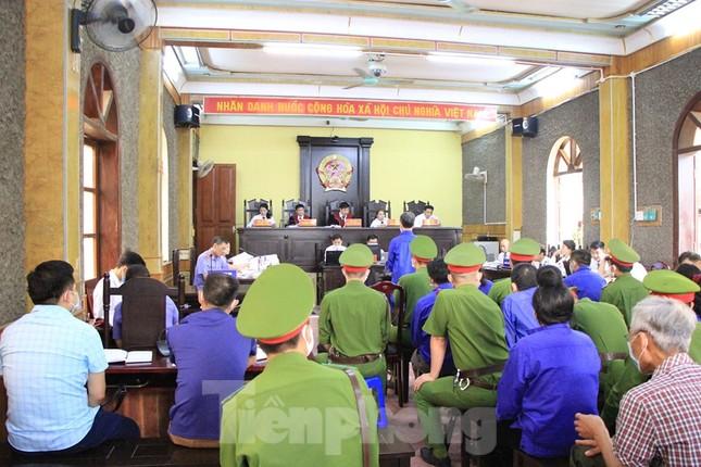 Vụ gian lận điểm thi ở Sơn La: Đề nghị triệu tập cựu Giám đốc Sở Giáo dục tới tòa ảnh 1