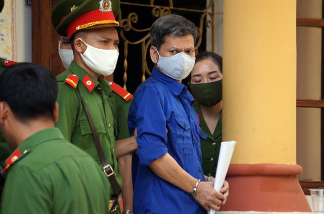 Nhận tiền nâng điểm, cựu Trưởng phòng Khảo thí Sơn La lĩnh 21 năm tù ảnh 1