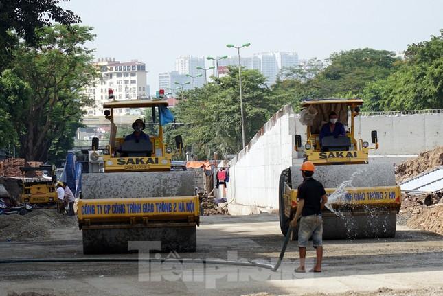 Đường Nguyễn Văn Huyên sắp có cầu vượt giải phóng điểm đen ùn tắc ảnh 9