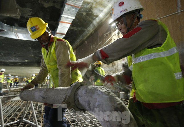 Trắng đêm đổ bê tông hợp long ga ngầm trên phố Kim Mã ảnh 5