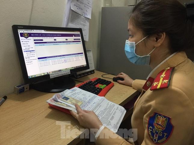 Hàng nghìn lượt vi phạm, chỉ một người nộp phạt qua mạng ở Hà Nội ảnh 1