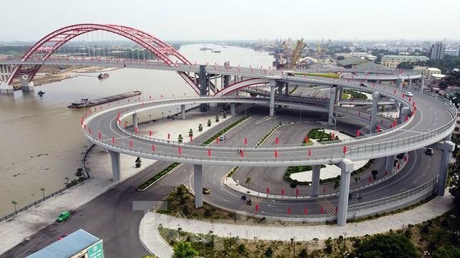 Cận cảnh cây cầu 'Cánh chim biển' của thành phố Hải Phòng ảnh 2