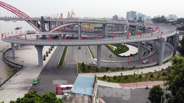 Cận cảnh cây cầu 'Cánh chim biển' của thành phố Hải Phòng ảnh 3