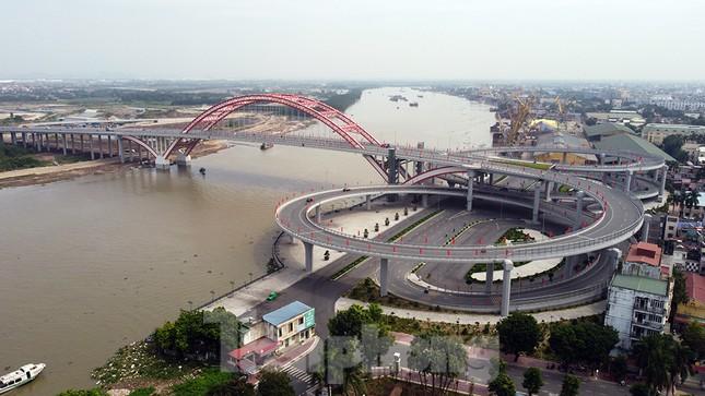 Cận cảnh cây cầu 'Cánh chim biển' của thành phố Hải Phòng ảnh 1