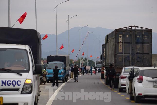 Hình ảnh lực lượng chức năng phong tỏa thành phố Chí Linh ảnh 12