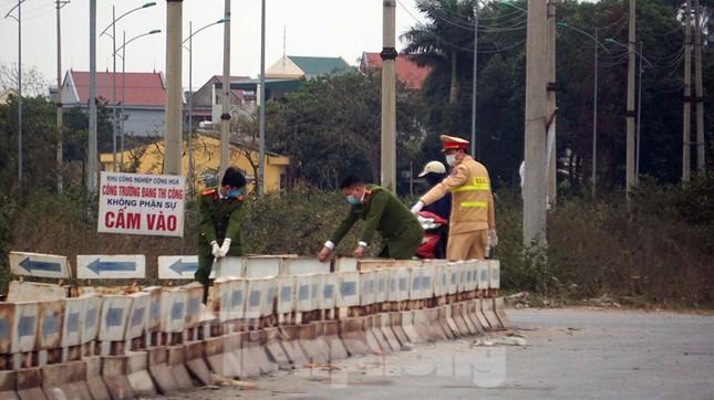 Hình ảnh lực lượng chức năng phong tỏa thành phố Chí Linh ảnh 10