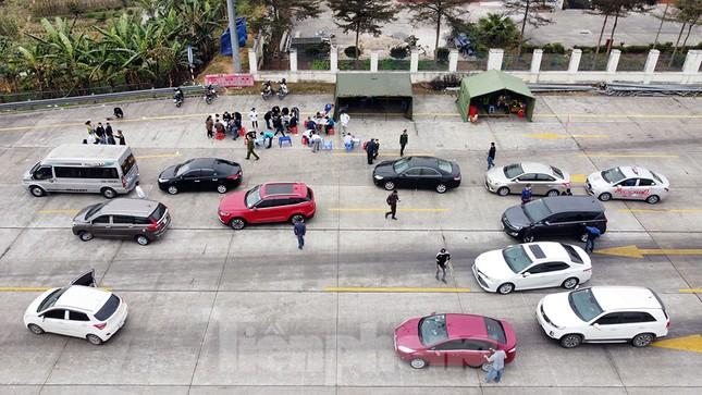 Cận cảnh các chốt kiểm soát người từ Quảng Ninh, Hải Dương về TP Hải Phòng ảnh 2
