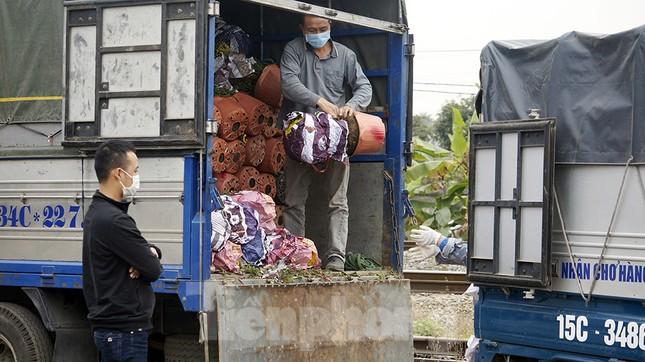 Cận cảnh các chốt kiểm soát người từ Quảng Ninh, Hải Dương về TP Hải Phòng ảnh 7