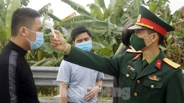 Cận cảnh các chốt kiểm soát người từ Quảng Ninh, Hải Dương về TP Hải Phòng ảnh 3