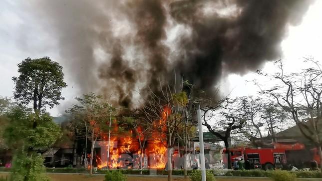 Cháy lớn tại quán karaoke ở trung tâm TP Hải Phòng ảnh 1