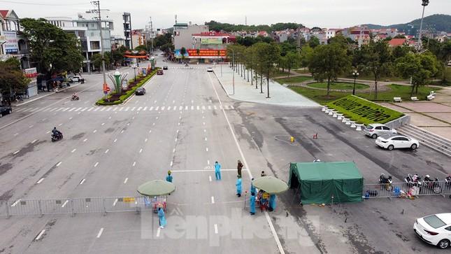 Toàn cảnh TP Chí Linh trước giờ gỡ phong tỏa ảnh 2