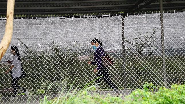 Công nhân tháo chạy vì công ty ở Hải Dương bị phát hiện cho 'làm chui' ảnh 6