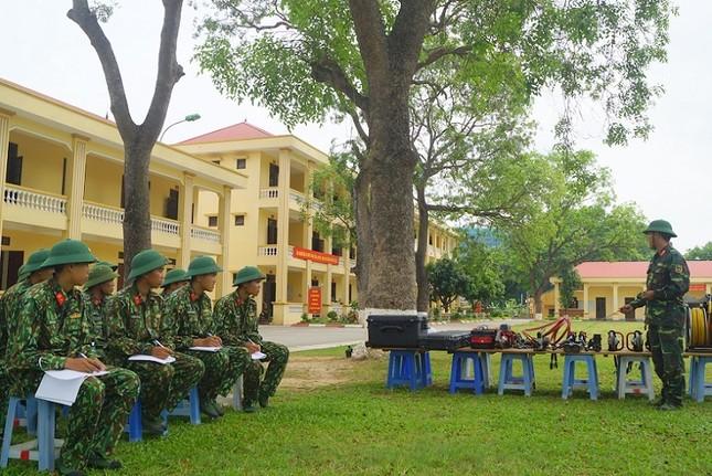 Mục kích lính công binh huấn luyện chống khủng bố ảnh 14