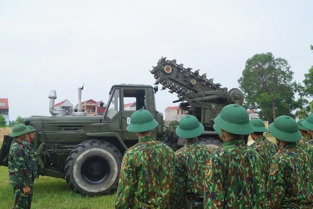 Mục kích lính công binh huấn luyện chống khủng bố ảnh 15