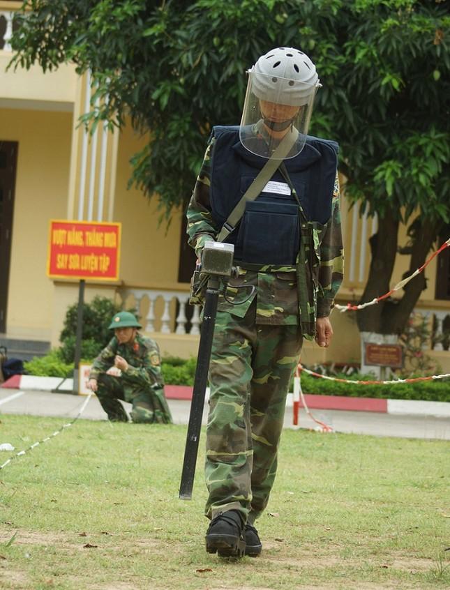 Mục kích lính công binh huấn luyện chống khủng bố ảnh 4
