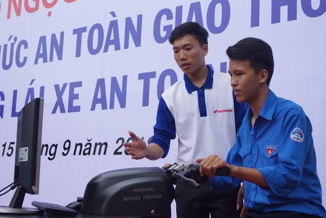 Phát động Ngày hội 'Thanh niên với Văn hoá giao thông' ảnh 8