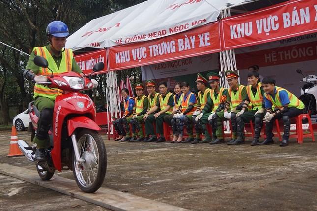 Phát động Ngày hội 'Thanh niên với Văn hoá giao thông' ảnh 9