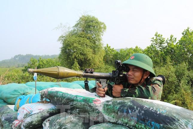 Cận cảnh cuộc diễn tập khu vực phòng thủ mang mật danh PT-19 ở Phú Thọ ảnh 2