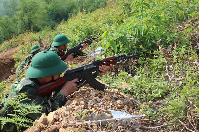 Cận cảnh cuộc diễn tập khu vực phòng thủ mang mật danh PT-19 ở Phú Thọ ảnh 3