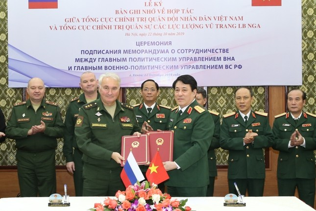 Tư lệnh Hải quân Việt Nam muốn hợp tác chặt chẽ với Hải quân Nga ảnh 2