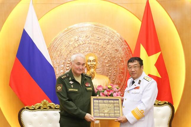 Tư lệnh Hải quân Việt Nam muốn hợp tác chặt chẽ với Hải quân Nga ảnh 1