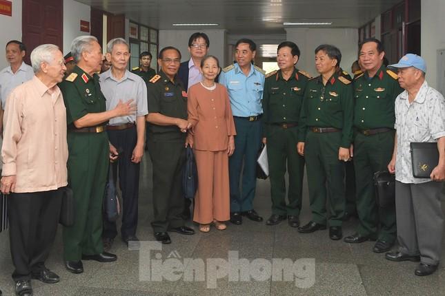 Nguyên Tổng Bí thư Lê Khả Phiêu: Quan hệ Việt Nam - Lào là tài sản vô giá ảnh 1