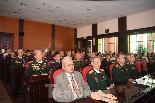 Trao tặng danh hiệu Anh hùng cho Quân tình nguyện và Chuyên gia Việt Nam tại Lào ảnh 8