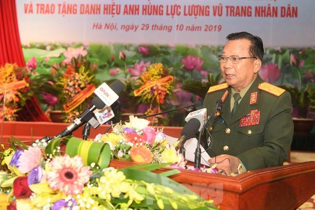 Trao tặng danh hiệu Anh hùng cho Quân tình nguyện và Chuyên gia Việt Nam tại Lào ảnh 5