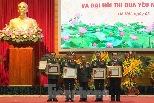 Thủ tướng Nguyễn Xuân Phúc: Cựu chiến binh là gương sáng cho thế hệ trẻ ảnh 3