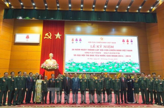 Thủ tướng Nguyễn Xuân Phúc: Cựu chiến binh là gương sáng cho thế hệ trẻ ảnh 4