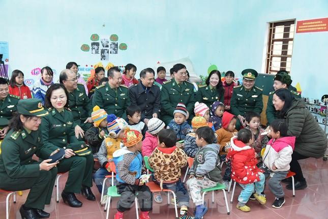 Bộ đội Biên phòng thu giữ 11,42 tấn ma túy, 445 khẩu súng ảnh 7
