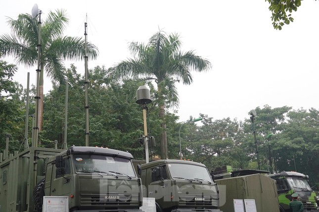 Cận cảnh ngư lôi, tổ hợp tên lửa của Quân đội nhân dân Việt Nam ảnh 10
