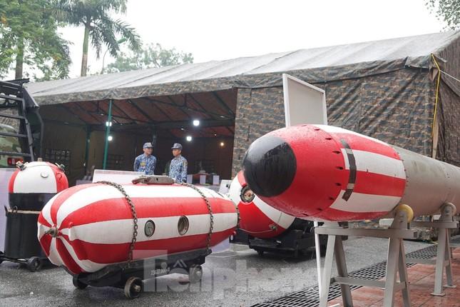 Cận cảnh ngư lôi, tổ hợp tên lửa của Quân đội nhân dân Việt Nam ảnh 3