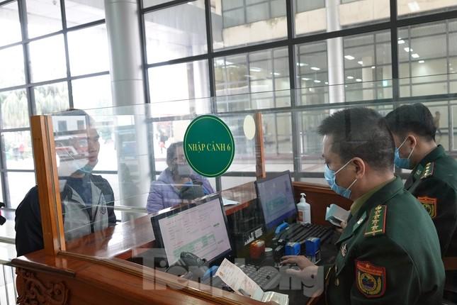Bảy tỉnh tiếp giáp Trung Quốc sẵn sàng ứng phó với dịch nCoV ảnh 8