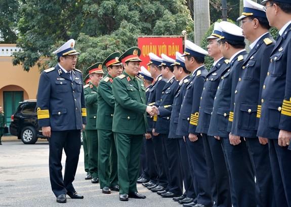 Bộ trưởng Quốc phòng Ngô Xuân Lịch làm việc với Quân chủng Hải quân ảnh 1