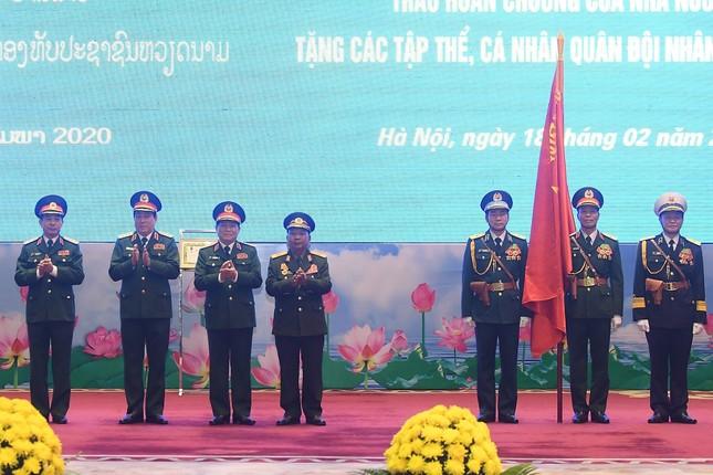 Trao tặng Huân chương cho tập thể, cá nhân Quân đội hai nước Việt - Lào ảnh 2